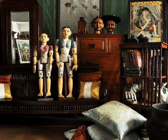 Established In 1924, Balajiu0027s Antiques And Collectibles Is A Family Owned  Business Located In The Oldest Part Of Bangalore City.