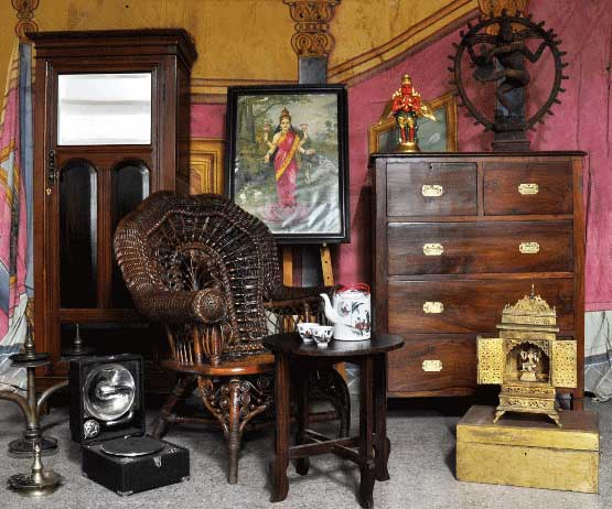 Attrayant Established In 1924, Balajiu0027s Antiques And Collectibles Is A Family Owned  Business Located In The Oldest Part Of Bangalore City.